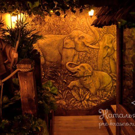 DSC 1808 450x450 - Декоративное панно «Слоны»