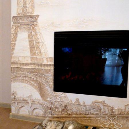 Париж, барельеф на камине. Эйфелева башня.