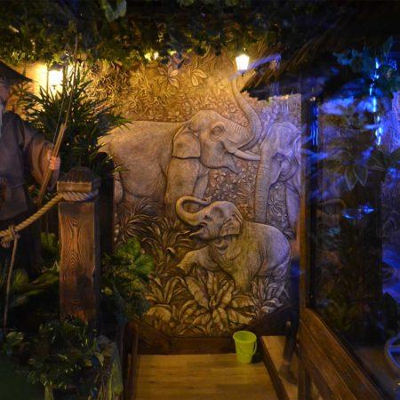 Барельеф слоны. Декор стены в спа-центре