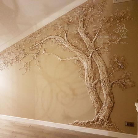 Дерево с Ангелом