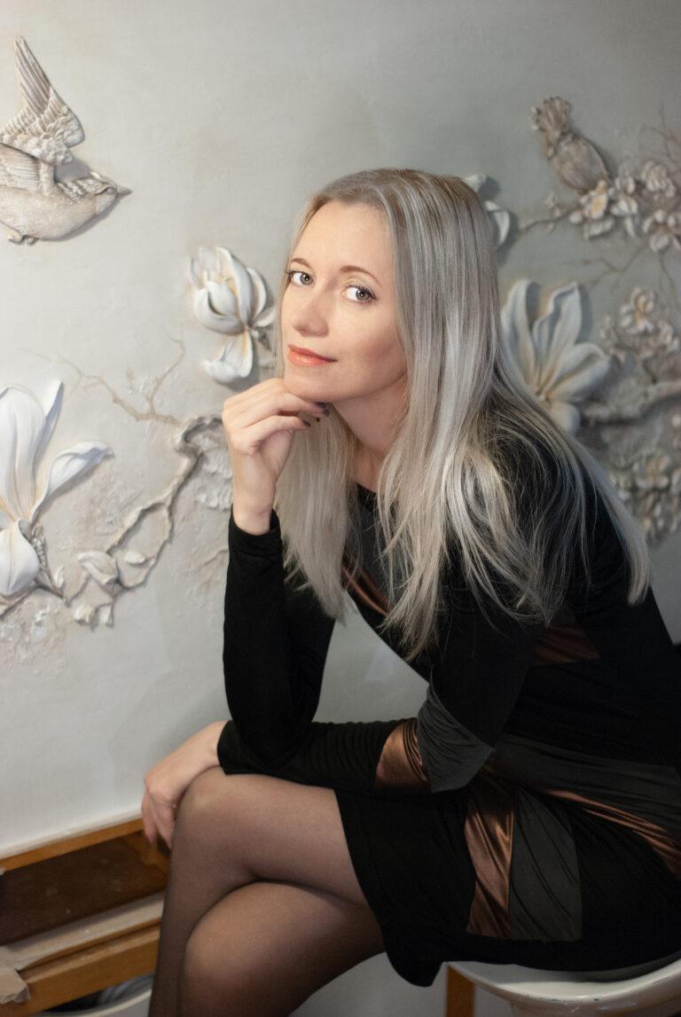 Наталья Хна мастер барельефов Москва